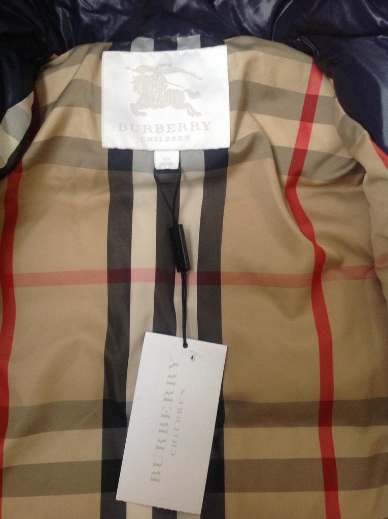 Продаю Зимнее пуховое пальто фирмы Burberry в Москве - Барахолка ... e4528f8ca0715