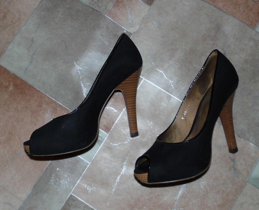 Отдам много обуви р.36-38