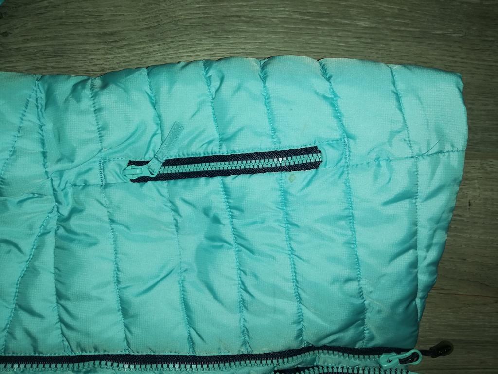 Отдам куртку для девочки, яркая р. 134, Qutventure