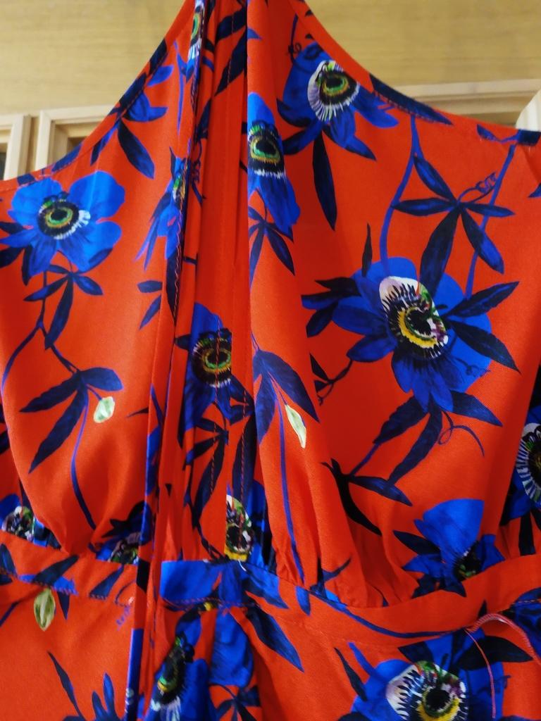 Платье с открытой спиной H&M размер 40EU на 46-48
