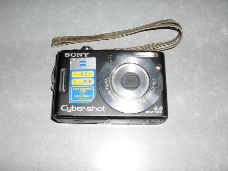 Фотоаппарат Sony Cyber-Shot DSC-W40