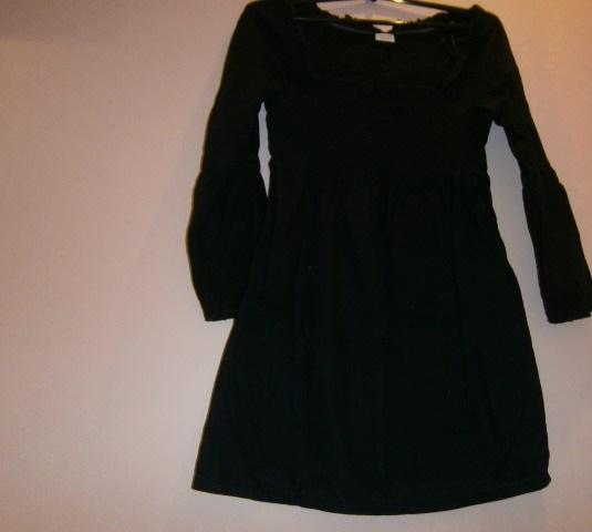 Платье Esprit маленькое, черное.