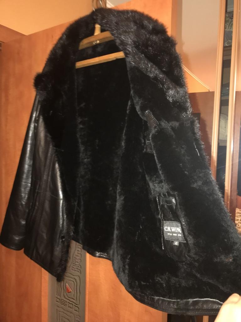 Итальянская зимняя кожаная куртка размер 48