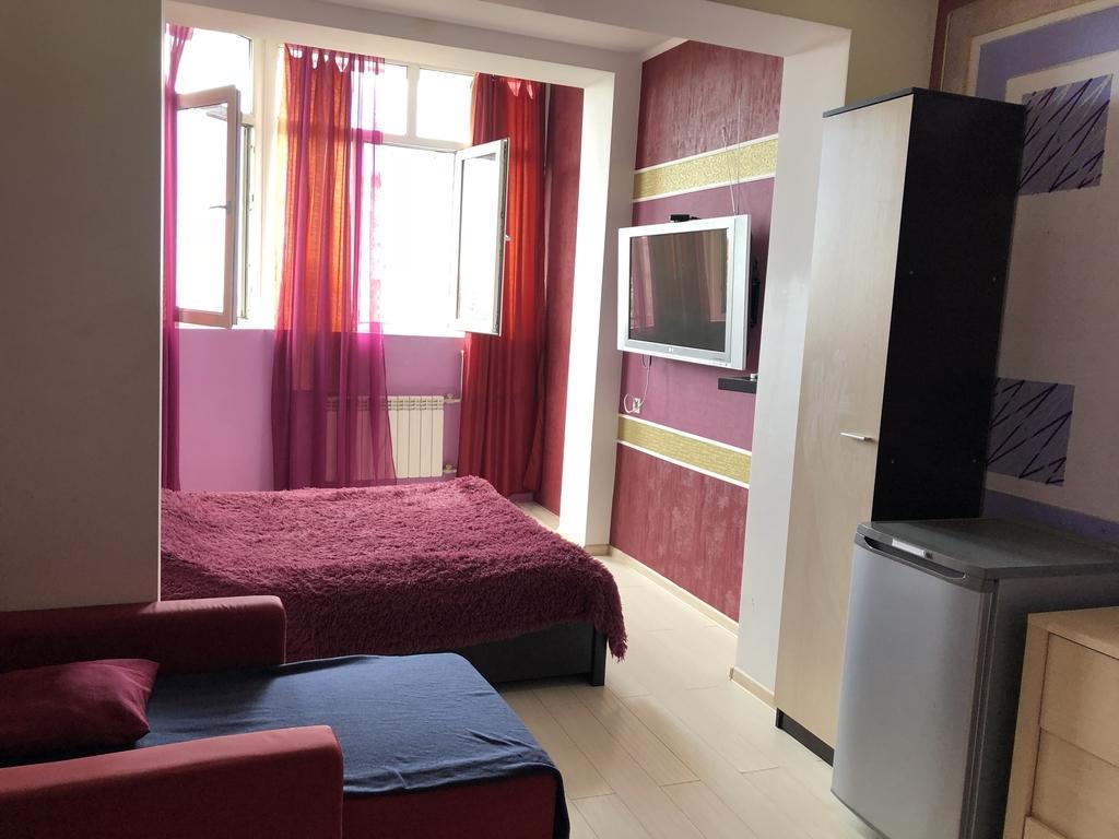 Сдам 1ком. Квартиру у моря с дизайнерским ремонтом на 8 этаже г. Сочи ул Бамбуковая.