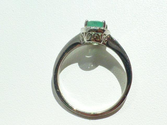 Кольцо серебро 925* с изумрудом и цирконами