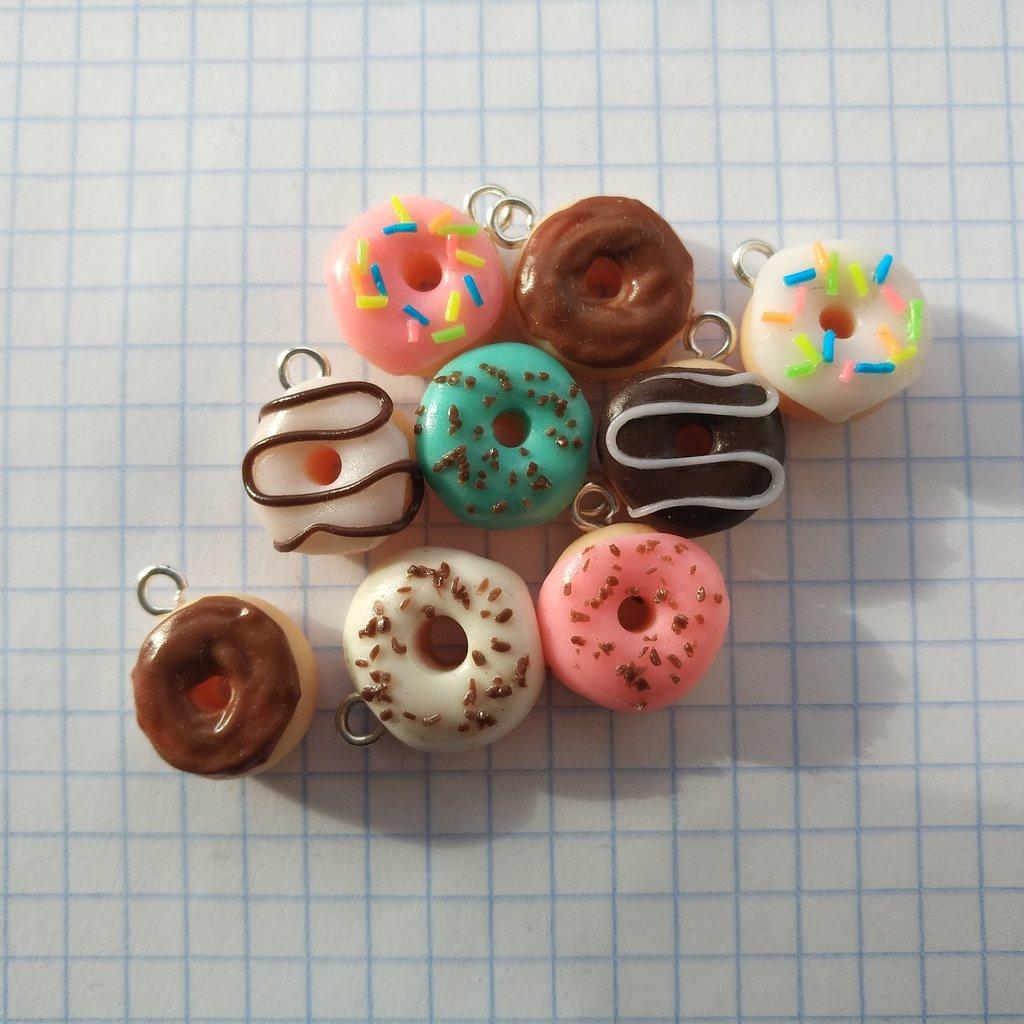 Пончики из полимерной глины