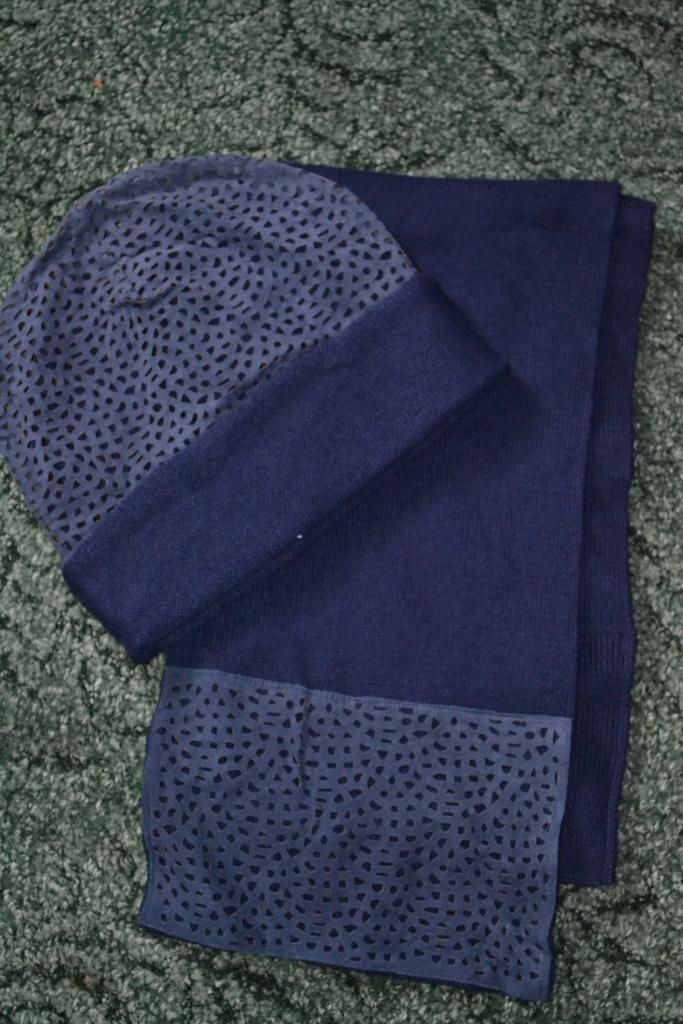 новый комплект шапка+шарф р 54/56