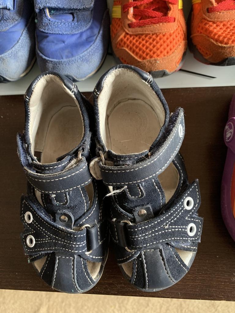 Обувь для мальчика р.23-24