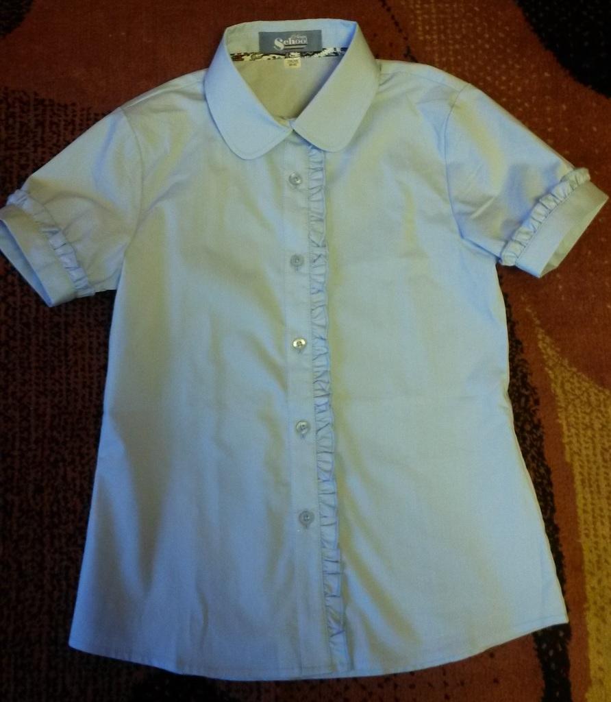 Школа.Блузки и жилет