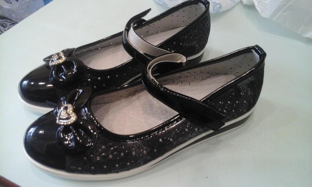 Туфли для девочки, новые, 34 размер