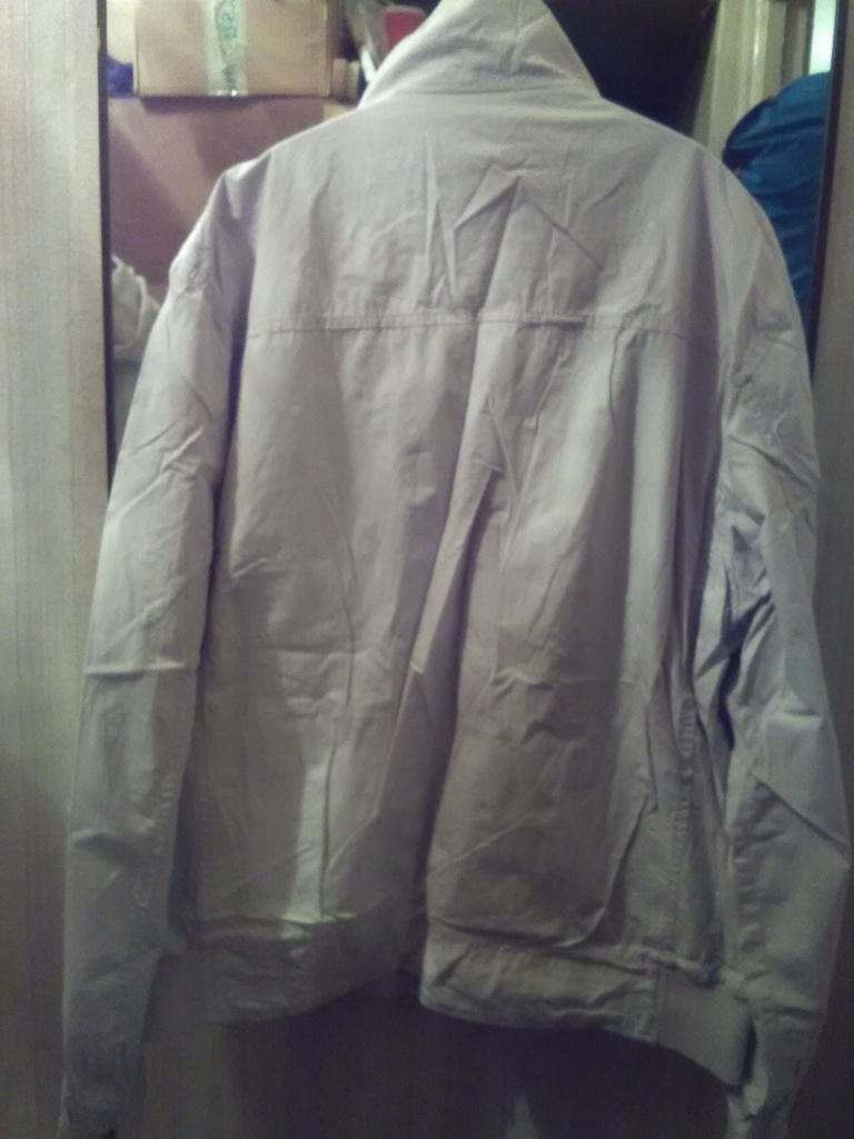 Новая мужская куртка ветровка