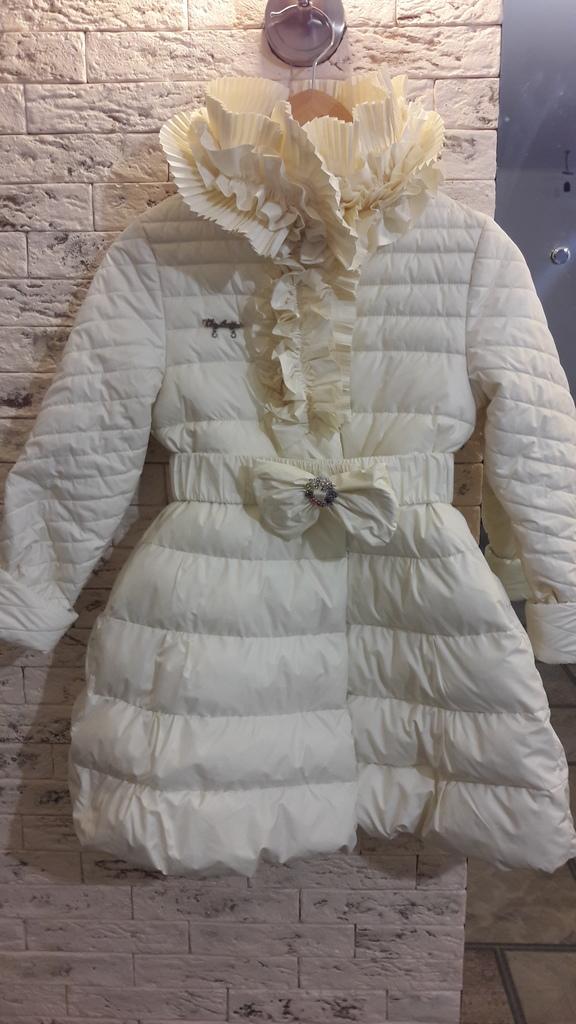 Пальто VIA LATTEA р-р 134