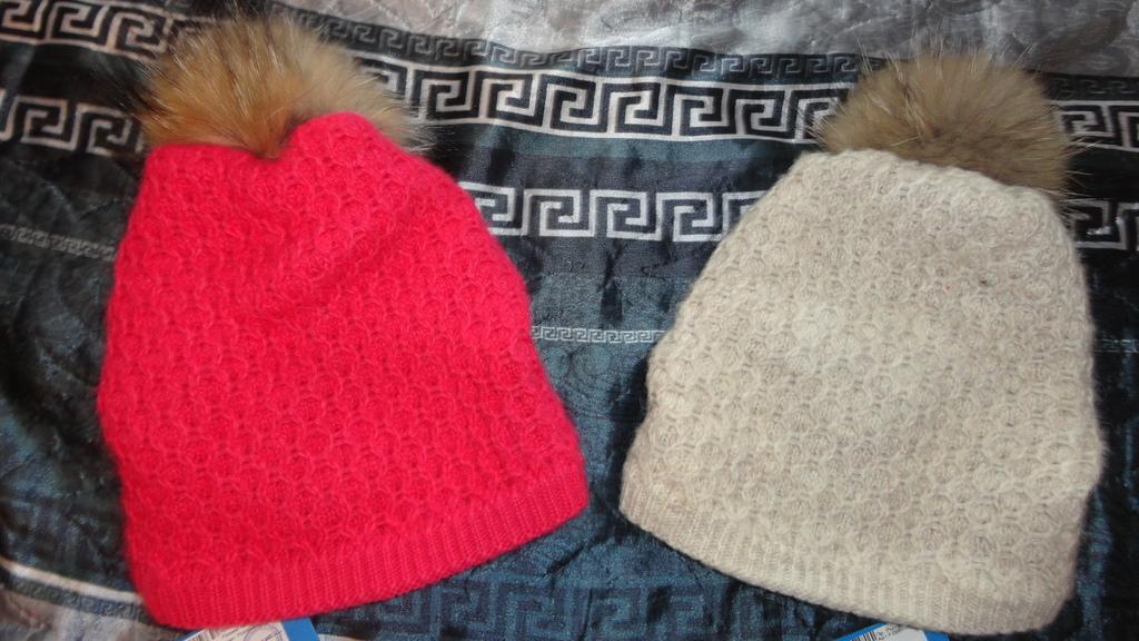 Две новые зимние шапки Futurino 52-54р. с нат. пом