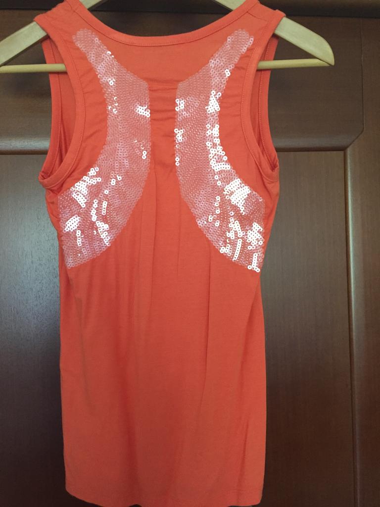 Майка новая размер 44 46 S/M оранжевая с палетками прозрачными крылья Ангела на спине ткань мягкая вискоза хлопок