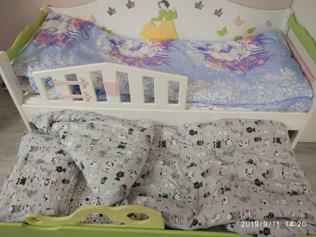 Продам кровать с выдвижным доп.местом