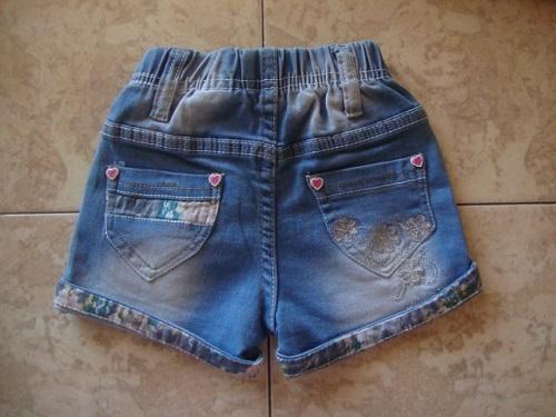 Новые джинсовые шортики с декором 86р