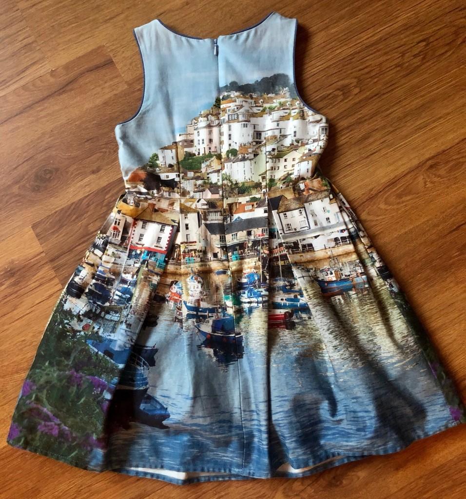 Обалденное платье Next размер 6/116