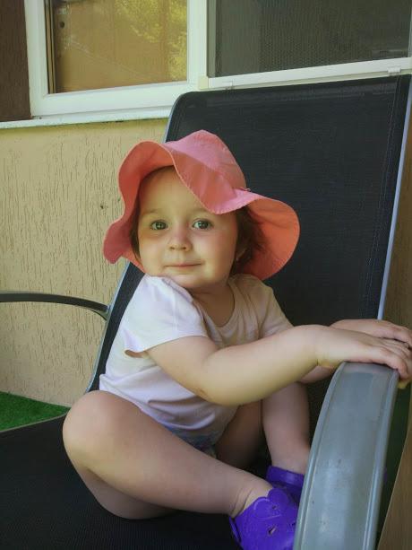 Девочка в первый раз сосет фото 635-499