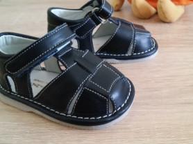 Детские кожаные сандали
