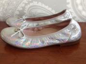Туфли для девочки. размеры 34 и 35, новые, кожа.