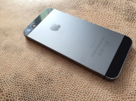 Apple iPhone 5s 16 гб Space Gray