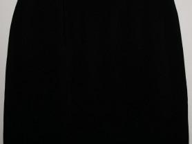 Юбка черная прямая длина 60 см ОТ 88 см, ОБ 118 см