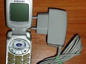 Мобильный телефон Samsung SGH-A800 (нерабочий)