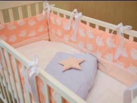 Бортики, игрушки, спальники для детской кроватки