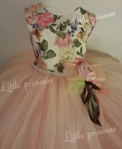 Романтичное платье для любого праздника.
