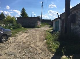 Продам гараж на Байкале возле линии. возможен торг