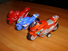 Мотоциклы из пластмассы 10-11 см - 3 штуки 1 лот
