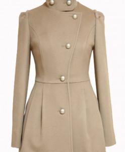 Пальто с ассиметричной юбкой.