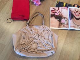Большая кожаная светлая сумка Valentino (оригинал)