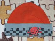 Шапка трикотажная с черепом  на 4-6лет