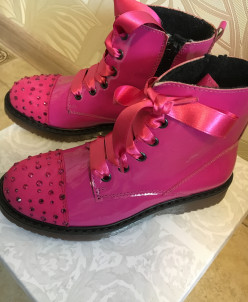 новые Ботиночки Viviane
