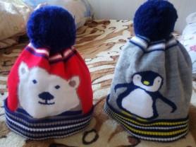 Шапки, кепки, носки, варежки на 3-4года