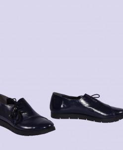 Женские лаковые туфли на шнуровке