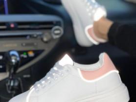 Новые неоновые кроссовки, 40 размер