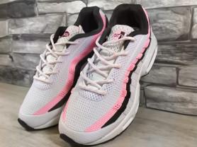 Белые кроссовки Air Max от Nike