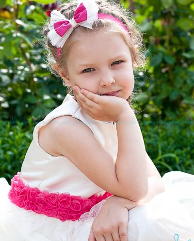 Платье с поясом из малиновых роз (с аксессуаром)