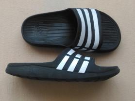 Сланцы Adidas, р.30-31