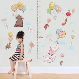 Наклейка-Ростомер многоразовая «Зверята на воздушных шарах»
