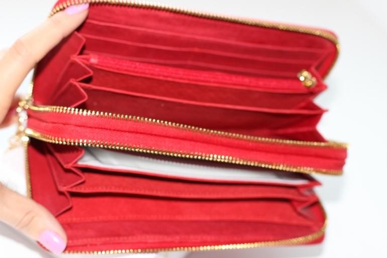 632b46e9bf59 в) Портмоне CHANEL большое Размер 24 12 2 Цена 2790 Цвета Красный, черный.  материал  Натуральная кожа (лак)