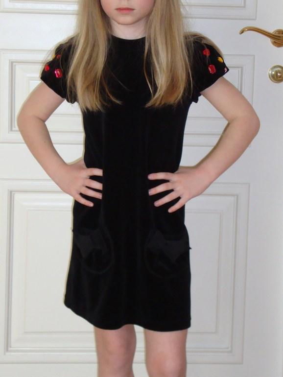 Картинки девочка со спины 9 лет