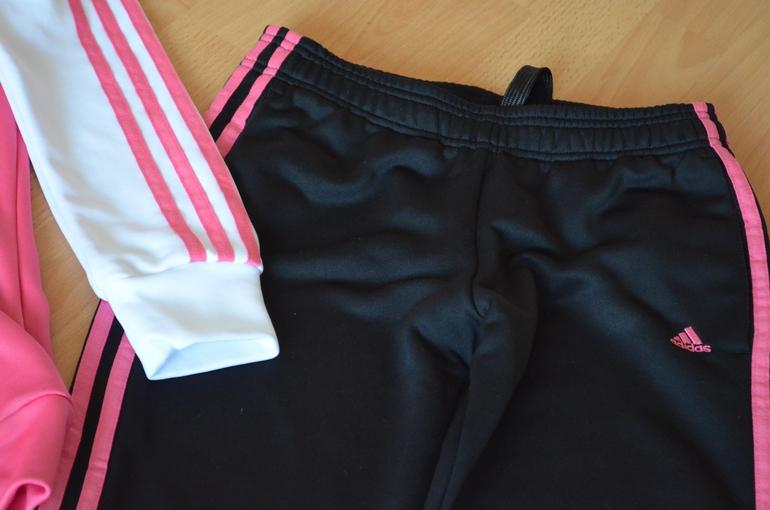 Adidas оригинал костюм и жилет р 42